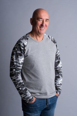 szürke terep póló