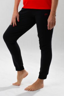 fekete nadrág passzéval